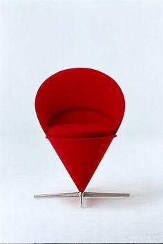 """Verner Panton Cone Chair Vitra. Muchas más imágenes como ésta las puedes encontrar en el apartado de """"Recortes"""" del """"Blog de Creatividad de Marielo García"""""""