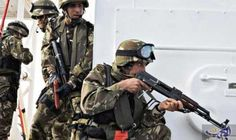 الجيش الجزائري يقبض على عنصري دعم للمتطرفين…: كشف بيان لوزارة الدفاع الجزائرية، اليوم الأربعاء، أن الجيش الجزائري تمكّن من توقيف عنصري دعم…