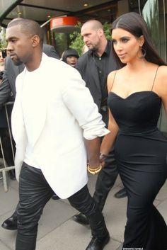 There are 4 tips to buy dress, black, black dress, kim kardashian, kanye west. Robert Kardashian, Estilo Kardashian, Kim Kardashian And Kanye, Kim And Kanye, Kardashian Style, Kardashian Jenner, Kim Kardashian Black Dress, Kardashian Photos, Kylie Jenner