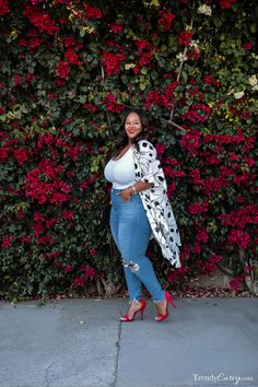 Spring is near! Here's an easy & stylish plus size Spring outfit that you can rock this upcoming season Plus Size Summer Fashion, Plus Size Summer Dresses, Plus Size Fashion For Women, Plus Size Outfits, Curvy Girl Fashion, Trendy Fashion, Stylish Outfits, Fashion Outfits, Fashion Clothes