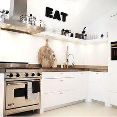 "photo: ""Let's cook! Kitchen Inspirations, New Homes, Kitchen Backsplash, Kitchen Cabinets, Small Kitchen, Kitchen Styling, Home Kitchens, Home, Beach Kitchens"