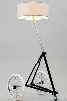 Afbeeldingsresultaat voor bike frame part art furniture Recycled Furniture, Art Furniture, Unique Furniture, Bicycle Decor, Bicycle Art, Recycled Bike Parts, Metal Art Projects, Wooden Lamp, Modern Bathroom Decor