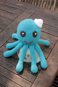 Octopus free crochet pattern by Canine Thespian