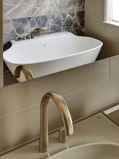 Luxury bathroom at i...