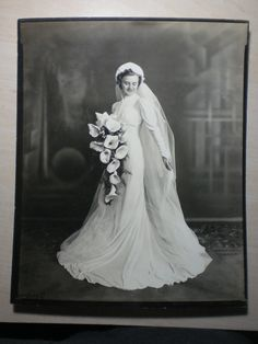 Beautiful Bride Nice Wedding Dress Flowers Vintage Photo 10 X 8 1930s 1940S