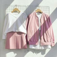 Korean Fashion Trends you can Steal – Designer Fashion Tips Cute Fashion, Look Fashion, Trendy Fashion, Girl Fashion, Fashion Outfits, Womens Fashion, Korean Fashion Trends, Korea Fashion, Asian Fashion