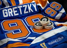 Wayne Gretzky!!!! Ice Hockey Players, Nhl Players, Hockey Teams, Wayne Gretzky, New York Rangers, My Love, Calgary, Sports, Magazine