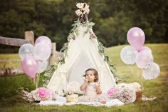 Spring is just around the corner, and I hope I get to do another outdoor cake smash like this Bohemian floral one! 1st Birthday Photoshoot, 1st Birthday Party For Girls, Girl Birthday Themes, Birthday Gifts, 1st Birthday Cake Smash, Birthday Girl Pictures, First Birthday Photos, Outdoor Cake Smash, First Birthday Photography