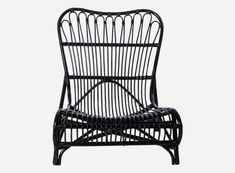 Awesome Colone rattan lounge chair from House Doctor. Combine this chair with your favorite House Doctor furniture. Rattan Sofa, Rattan Furniture, Furniture Design, Outdoor Furniture, Black Furniture, Painted Furniture, Garden Lounge Chairs, Outdoor Lounge, Outdoor Chairs