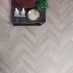 Fiskbensparkett Ek Vitmattlack Hardwood Floors, Flooring, New Homes, House, Living Room, Interior Design, Home Decor, Houses, Parquetry