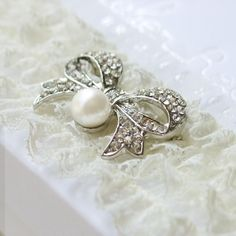 39a934822ad7 chic wedding garter is perfect for the vintage bride Wedding Garter Lace,  Wedding Bows,