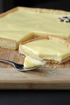Georgia's Famous Lemon Sour Cream Pound Cake – Cooking Rich – -… - lemon desserts Lemon Desserts, Lemon Recipes, Köstliche Desserts, Easy Cake Recipes, Sweet Recipes, Delicious Desserts, Dessert Recipes, Sweet Pie, Sweet Tarts