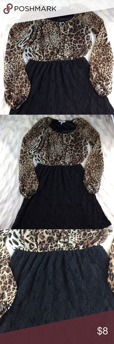 Speechless Leopard print Lace dress size small Elastic waist for easy pull on and off. Size small juniors, sleeves are sheer and rest of dress is fully lined. Measurements are approximately (flat lay): 33 inches from back of neck collar to bottom hem, pit to pit front lay 18 inches across bust, pit to wrist 18 1/2 inches. Wonderful used condition, smoke free environment. Ask any questions as I respond quickly. Speechless Dresses