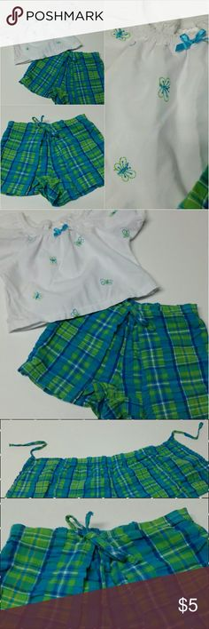 Dragonfly 2 piece Outfit Top & Shorts w/wrap tie Bright Blue & Green Super Cute Dragonfly Top with elastic neck that can be worn on or off shoulders.  Shorts are more of a skort style that wraps and ties in front.  Marked 12 mos but I think it runs big.  (Consider bundling to get more value out of the cost of Shipping and feel free to make offers on bundles) Thank you for visiting my closet!! SMOKE FREE CLEAN HOME Small Steps  Matching Sets