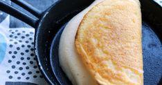 卵一個で作れるモンサンミッシェル風のスフレオムレツです。スキレットで焼けば、そのままテーブルでカフェ風ご飯の出来上がり。