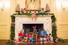Carolina Herrera, Opening Ceremony, and More Decorated The White House for the Holidays  - TownandCountryMag.com
