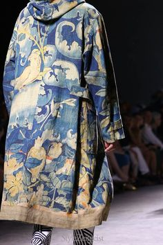 Dries Van Noten SS17 menswear collection, Paris ✨   ᘡℓvᘠ❤ﻸ•·˙❤•·˙ﻸ❤□☆□ ❉ღ // ✧彡☀️ ●⊱❊⊰✦❁❀ ‿ ❀ ·✳︎· ☘‿SU SEP 03 2017‿☘ ✨ ✤ ॐ ♕ ♚ εїз⚜✧❦♥⭐♢❃ ♦•●♡●•❊☘нανє α ηι¢є ∂αу ☘❊ ღ 彡✦ ❁ ༺✿༻✨ ♥ ♫ ~*~♆❤ ✨ gυяυ ✤ॐ ✧⚜✧☽☾♪♕✫ ❁ ✦●❁↠ ஜℓvஜ