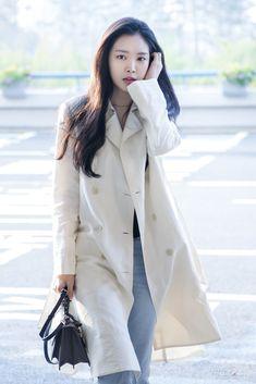 Pop Fashion, Fashion Models, Fashion Beauty, Womens Fashion, Airport Style, Airport Fashion, Apink Naeun, Son Na Eun, How To Look Handsome