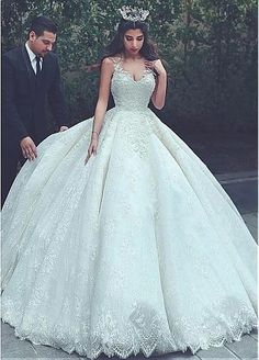 Junoesque Lace V-neck Neckline Ball Gown Wedding Dresses With Lace Appliques