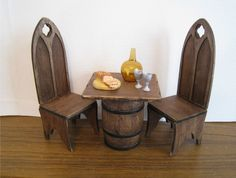 Miniature Tudor Style Pub Table and Chairs