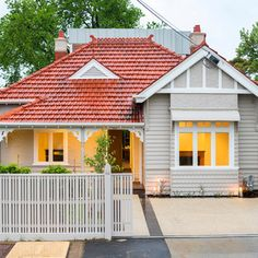 Get the best & affordable total roof restoration Melbourne wide. Call for roof restoration price or quote. House Exterior Color Schemes, Design Exterior, Exterior Paint Colors For House, Bungalow Style House, Bungalow Haus Design, House Design, Red Roof House, Facade House, Houses With Red Roof