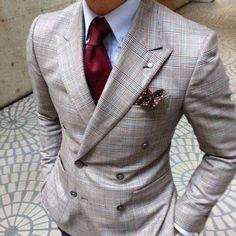 Mystery Man, Nice Suit! ...repinned vom GentlemanClub viele tolle Pins rund um das Thema Menswear- schauen Sie auch mal im Blog vorbei www.thegentemanclub.de