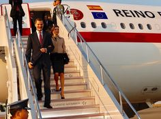 King Felipe and Queen Letizia of Spain arrived at Haneda international airport in Tokyo, Japan, April 4, 2017. The Spanish royal couple is here on a four-day state visit to Japan. Queen Letizia wore Hugo Boss Jadabia Wool Cashmere Color Jacket.