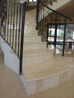 Geben Sie Ihrem Zuhause eine luxuriöse Ausstrahlung mit unseren #Innentreppen.   http://www.granit-treppen.eu/innentreppen-praechtige-innentreppen