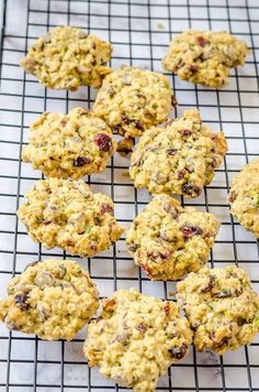 Chewy zucchini oats chocolate cookies Zucchini Cookies, Oat Cookies, Chocolate Chip Cookies, Choco Chips, Semi Sweet Chocolate Chips, Easy Cookie Recipes, Dessert Recipes, Easy Desserts, Baking Recipes