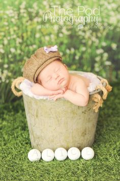 golf-newborn-baby-grass-styling