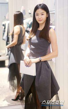 Jeon Ji Hyun# the dress would be classy without the redundant lace