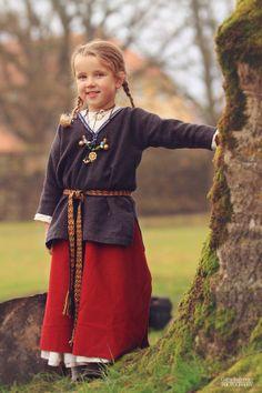 Latgalian children /Latvian/ by Gatis Indrevics Renaissance Costume, Medieval Costume, Medieval Dress, Folk Costume, Viking Garb, Viking Reenactment, Viking Dress, Historical Costume, Historical Clothing