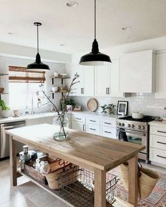 If you are looking for Modern Farmhouse Kitchen Decor Ideas, You come to the right place. Here are the Modern Farmhouse Kitchen Decor Ideas. Modern Farmhouse Kitchens, Farmhouse Kitchen Decor, Home Decor Kitchen, Kitchen Interior, New Kitchen, Home Kitchens, Small Kitchens, Kitchen Layout, Kitchen Colors