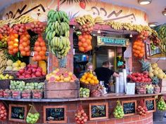Fresh fruit juice stand in Israel!! Doesn't this look wonderful?!
