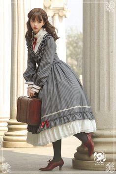 Pin on the magical world.of Lolita Pin on the magical world.of Lolita Style Lolita, Mode Lolita, Gothic Lolita Fashion, Victorian Fashion, Vintage Fashion, Victorian Gothic, Harajuku Fashion, Kawaii Fashion, Cute Fashion