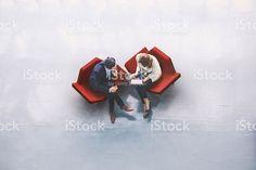 Vista aérea de duas pessoas de negócios no Hall de entrada foto royalty-free