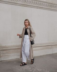 Pantalon Slouchy, Autumn Winter Fashion, Spring Fashion, Mode Outfits, Fashion Outfits, Looks Style, My Style, Tennis Fashion, Trench Coat Outfit