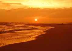 If you're longing for white sand and outdoor adventures, look no further than Santa Rosa Beach.