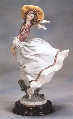 Giuseppe Armani Scarlett 1995 Figurine Of The Year 0698C. #GiuseppeArmani #Figurine.
