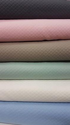 Telas de sudadera Scrappy Quilts, Sweatshirt, Store, Tejidos