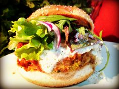 You'd stop eating beef burger. The best Veggie Burger, Chickpeas and Peas,yummy.  Olvidarás las hamburguesas de carne. La mejor hamburguesa vegetal. de Garbanzos y Guisantes, deliciosa. http://www.recetasmierdaeuristas.com/hamburguesa-de-garbanzos-cojonuda/