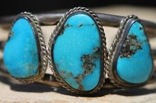 VINTAGE SIGNED NAVAJO STERLING SILVER TRIPLE TURQUOISE STONE ROW BRACELET