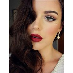 Create An Old Hollywood Beauty Look With This Makeup Tutorial ❤ liked on Polyvore featuring beauty products, makeup and eye makeup