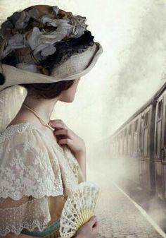 © Lee Avison / Trevillion Images - Edwardian-woman-by-train Story Inspiration, Character Inspiration, Victorian Fashion, Vintage Fashion, Historical Women, Historical Romance, Pose, Glamour, Costume