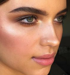 Pin by maddie p. on makeup makeup, ögonmakeup, ögonbryn Beauty Make-up, Natural Beauty Tips, Beauty Care, Beauty Hacks, Hair Beauty, Beauty Guide, Beauty Skin, Natural Makeup Brands, Makeup Goals