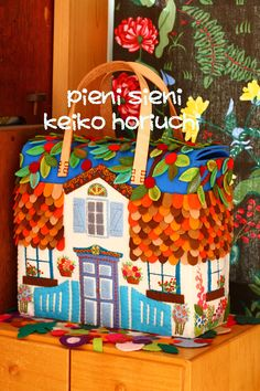 felt house bag by PieniSieni