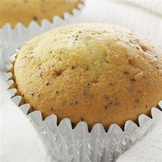 Super easy lemon poppy seed muffins, love that it uses a cake mix