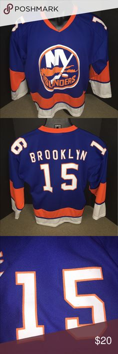 New York Islanders Promo Jersey Men's Medium Promo In excellent condition. Promo giveaway by the Islanders. Shoulder numbers 15/16 signify the year of the season the Islanders move to the Barclays center. Men's Medium. Coyote Promotions Other