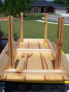 pallet table by twolaneblacktop1320, via Flickr