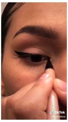 Fox liner tutorial #makeup #lips #black #women #makeup #tutorial #foxliner Eye Makeup Steps, Makeup Eye Looks, Pretty Makeup, Eyeliner Looks, Edgy Makeup, Eyebrow Makeup, Skin Makeup, Contouring Makeup, Make Up Looks